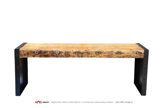 Ławka z łodzi flisackiej. Piękny, minimalistyczny design, prosta forma.